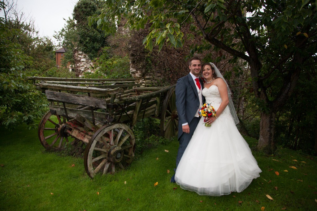 wedding photographer cooling castle barn