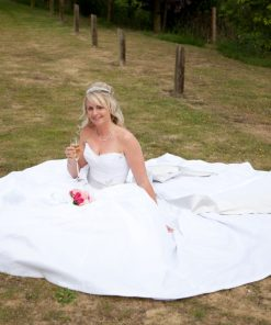 Wedding photography cooling castle barn-600