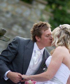 Wedding photography cooling castle barn-624