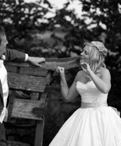 Wedding photography cooling castle barn-636